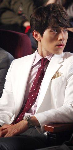 You always give me a feeling of privileged Lee Dong Wook, Korean Star, Korean Men, Goblin Korean Drama, Asian Actors, Korean Actors, Kim Bum, Kim Go Eun, Yook Sungjae