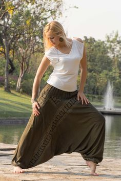 Beautiful handmade Harem Pants  www.hippie-pants.com