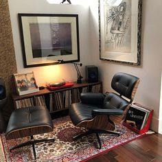 Vinyl LP Storage Bench Lo-Fi edition with Mid Century Modern Stylings - Audio Room Ideas Lp Storage, Vinyl Storage, Home Office Setup, Home Office Design, Living Room Remodel, Apartment Living, Home Music Rooms, Vinyl Room, Vinyl Lp