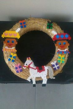 Hama Beads, Holiday, Christmas, Crafts For Kids, Pokemon, December, Wreaths, Halloween, Diy
