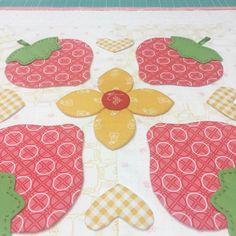 Bee In My Bonnet: Sew Simple Shapes Series - Week Five - Blocks 11 and 12 Tutorial!!