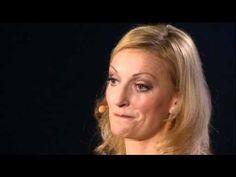 Monika Gruber nachdenklich... sagt wahre Worte... Lebe  dein Leben jeden Tag... später kann zu spät sein! Schönes Video...