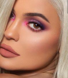 Make Up; Make Up Looks; Make Up Augen; Make Up Prom;Make Up Face; Kylie Makeup, Pink Makeup, Glam Makeup, Eyeshadow Makeup, Pink Eyeliner, Kylie Jenner Makeup 2018, Hair Makeup, Makeup Cosmetics, Pink Eyeshadow Look