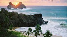 Fernando de Noronha é um arquipélago pertencente ao estado brasileiro de Pernambuco, formado por 21 ilhas, ocupando uma área de 26 km², situado no Oceano Atlântico, a nordeste da capital pernambucana, Recife