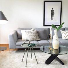 Enda et stilig bilde av en stue stylet av @novaboligstyling. På bilde ser dere tøffe #Lynvingen!