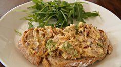 Recept: Pittige Makreelsalade met Avocado