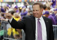 LSU football coach Les Miles turns his attention to talking football Les Miles, Lsu Tigers Football, Louisiana State University, Athletes, Ohio, Swag, Live, Purple, Gold