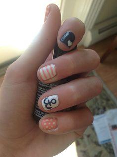 Adorable anchor nail art!