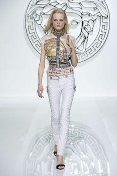 Versace Women's Collection Fall Winter 2013/14 #Versace #VersaceLive #VersaceWomenswear