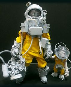 "Awesome Robo!: Bhead's Amazing Custom ""Biogeneticist Dr. Paul"" Toy"