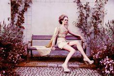 Dress/šaty: JKate - Kateřina Ivanová   Fotografka: Linda Zhengová