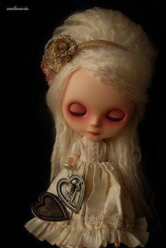Locket of Memories Gothic Dolls, Creepy Dolls, Close Your Eyes, Felt Dolls, Pretty And Cute, Blythe Dolls, Beautiful Dolls, Disney Characters, Fictional Characters