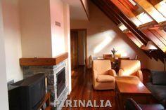 Casa adosada en Mont para 6 personas situada a 5 kms de Viella y 18 kms de Baqueira Beret. www.pirinalia.com