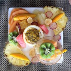 Tropical breakfast... fruits - mademoisellebikini.com