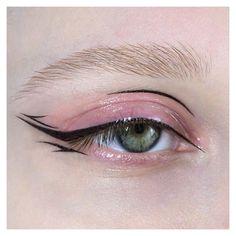 Edgy Makeup, Makeup Eye Looks, Eyeliner Looks, Eye Makeup Art, Cute Makeup, Makeup Goals, Pretty Makeup, Makeup Inspo, Eyeshadow Makeup