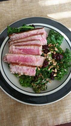 4 oz Ahi, 2 oz kale, 20g craisins, 20g sunflower seeds - 284 calories