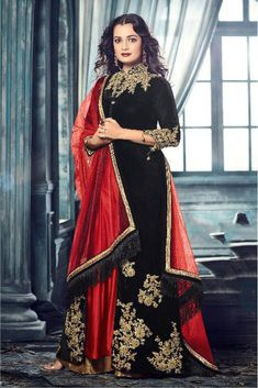 Get the celebrity look just like Dia Mirza by cladding yourself in this designer black color long floor length party wear anarkali salwar suit encrafted beautifully with fancy embroidery work that makes it a must have in your closet. Made from velvet, the Bollywood Dress, Bollywood Fashion, Oriental Fashion, Indian Fashion, Black Velvet Suit, Front Slit Dress, Designer Anarkali Dresses, Ethnic Outfits, Ethnic Clothes