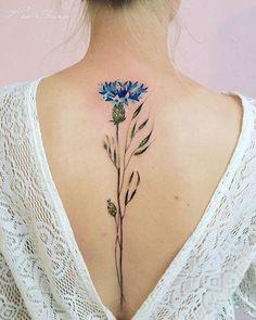 Crimea, Russian tattoo artist Pis Saro creates beautiful tattoos inspired by nature. Saro creates elegant flowers & plant tattoos on the legs, arms, and spines of her international clients. Tattoo Mama, Botanisches Tattoo, Tattoo Son, Tattoo Neck, Tattoo Quotes, Model Tattoos, Body Art Tattoos, Sleeve Tattoos, Tatoos