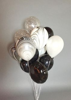 Gorgeous huge balloon bouquet full of black, white, marbled and confetti balloons. Bouquet contains 18 balloons: 9 inches) . Gold Confetti Balloons, Giant Balloons, Mylar Balloons, Marble Balloons, Order Balloons, Latex Balloons, Balloon Decorations Party, Balloon Centerpieces, Birthday Decorations