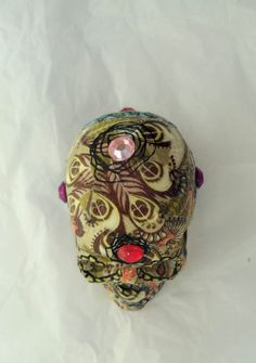 Beebikolju Up-Cycled SugarSkull by Sugarskills artist Lynsey Morgann Laurence Lovely the skull is back! Check this #donation #charity #ebay #MS Thanks!