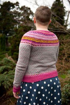 Ravelry: Damejakka Loppa / Flea – a lady's cardigan pattern by Pinneguri Fair Isle Knitting Patterns, Cardigan Pattern, Knit Crochet, Men Sweater, Turtle Neck, Sweaters, Cardigans, Pullover, Wool