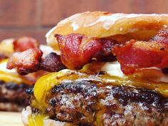 Dubbed the Luther Burger, this recipe is from Colorados G-Que Barbeque and doesnt skimp out on the flavor. The combination of donut, beef patty and bacon give this burger a twist of tantalizing taste.