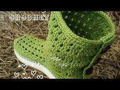 crochet chal shawl flores subtitles in several lenguage Flip Flop Sandals, Shoes Sandals, Crochet Boots, Chrochet, Fingerless Gloves, Arm Warmers, Crochet Projects, Free Crochet, Weaving