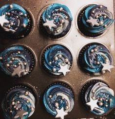 Moon and stars cupcakes More
