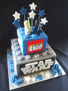 With a Daniel 5 instead of the Lego logo - Star Wars Cake - Ideas of Star Wars Cake - With a Daniel 5 instead of the Lego logo Lego Cupcakes, Star Wars Cupcakes, Lego Cake, Cupcake Cakes, Lego Starwars Cake, Star Wars Party, Star Wars Birthday Cake, Lego Birthday Party, Birthday Ideas