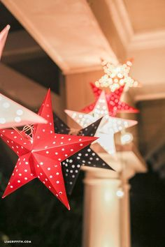 Paper Star Lights Garland with free printable and tutorial..cute for the 4th of July + DIY