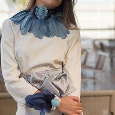 #Reinventa tu estilo. Cada día es una nueva #oportunidad de brillar✨ www.marielalvarez.com  #influencer #trendy #fashion #moda #plumas #naturales #complementos #collar #ideal #picoftheday #photooftheday #model