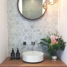 design ideas for small bathrooms (which look perfect and amazing) - Bathroom ideas Bathroom Design Small, Bathroom Interior Design, Bathroom Ideas, Small Bathrooms, Home Design, Bamboo Laminate Flooring, Minimalist Showers, Small Toilet Room, Bathroom Design Inspiration
