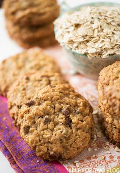 These chewy honey oatmeal chocolate chip cookies have the perfect chew in the…