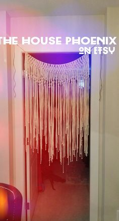 inserzione di Etsy su https://www.etsy.com/it/listing/198001553/boho-macrame-curtain-window-covering