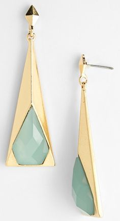 pyramid drop earrings  http://rstyle.me/n/hvx4zpdpe