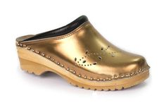 Buy here bronze clogs at troentorpsclogs.com. Come to the our website and find out here variety of clogs and different size of clogs and place your order online.