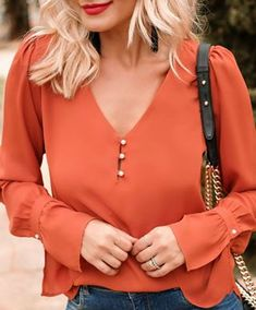 Fashion Shoes, Fashion Outfits, Womens Fashion, Crop Blouse, Blouse Styles, Diy Clothes, Casual Looks, Blouses For Women, Casual Dresses