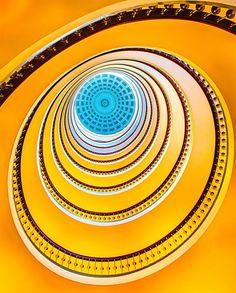 Las escaleras de caracol son muy apreciadas por los arquitectos pues dan una mejor estética al espacio que pueden crear gracias a sus formas dinámicas