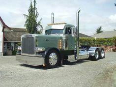 Clean and simple Day cab Peterbilt Peterbilt 359, Peterbilt Trucks, Show Trucks, Big Rig Trucks, Custom Big Rigs, Custom Trucks, Trailers, Big Ride, Train Truck