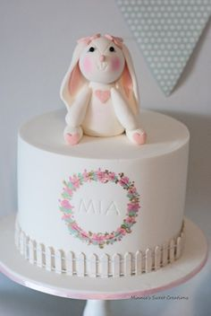 A Little Bunny Party by Minnie's Sweet Creations Bunny Birthday Cake, Gold Birthday Cake, Rabbit Cake, Bunny Party, Spring Cake, Novelty Cakes, Peter Rabbit, Cute Cakes, Themed Cakes