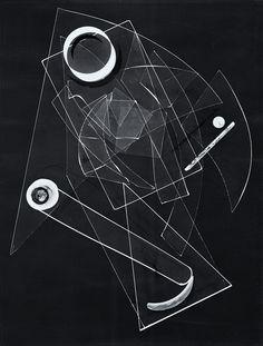 Otto Steinert, Scherbentanz, 1948, bromosilberlatin, vintage print, 40 x 30.3 cm;  Museum Folkwang, Essen