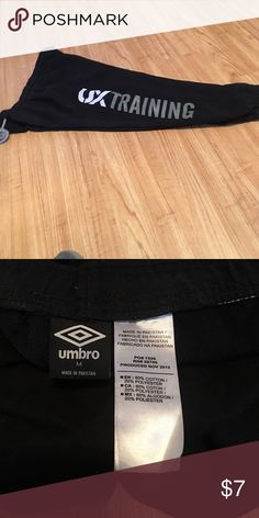 Black Capri sweats Barely worn, bought when my flight was canceled for the night no luggage. Worn 1 night. Umbro Pants Capris