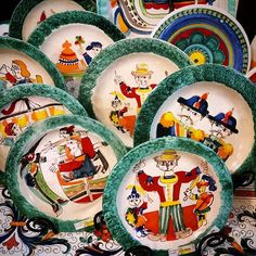 Lots of #fun and #whimsical #desimone #decorativeplates are left! You can find us on #etsy - italianpotteryoutlet !