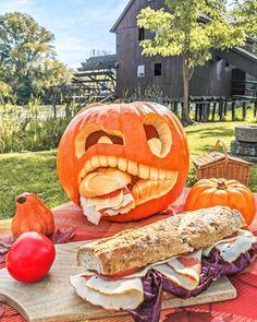 #halloweenpumpkin #halloween #halloween2020 #trickortreat #pumpkindecor #pumpkindecorating #autumn Cinque Terre, Pumpkin Decorating, Halloween 2020, Halloween Pumpkins, Pisa, Trick Or Treat, Pumpkin Carving, Autumn, Art