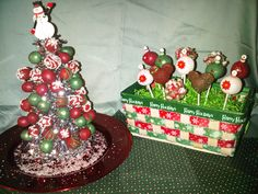 Christmas cake pop centerpieces