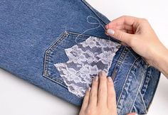 tips and guide for jeans Fabric Patterns, Flower Patterns, Diy Distressed Jeans, Jean Diy, Jeans Refashion, Diy Fashion Hacks, Merian, Mode Jeans, Denim Ideas