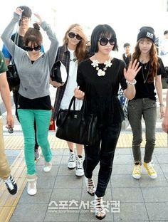 2NE1 airport fashion