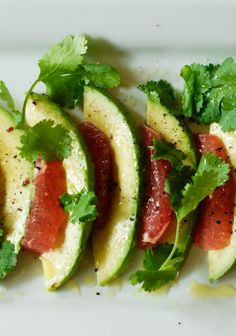 Refresh & renew from the inside out with this Avocado & Grapefruit Salad #recipe