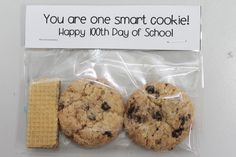 I'm not a teacher but I still think this is the cutest thing ever. 100 days of school treat idea