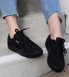 Vikky Platform Sneaker at The Demeler Store | Lookave #Sneakers #PlatformSneakers #VikkyPlatformSneakers #PumaSneakers #puma #TheDemeler #TheDemelerStore #ootd #onlineshopping #lookave #onlineshopping #streetstyle #style #fashion #outfit @puma